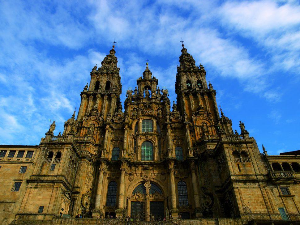 Catedral-de-Santiago-Plaza-del-Obradoiro-Camino-Santiago-970x728